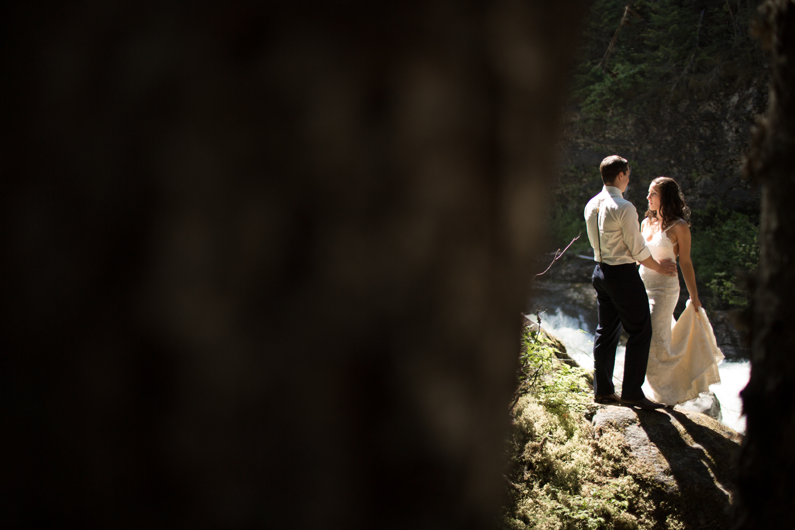36Andrew_Pavlidis_Photography_Jess_and_Tristan_Revelstoke_Elopement_Calgary_Wedding_Photographer-8171