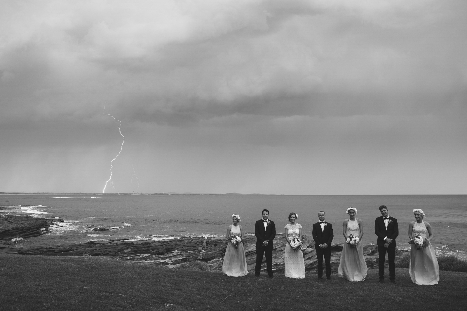 4willow_and_wolf_ali_will_cronulla_wedding_portraits-522