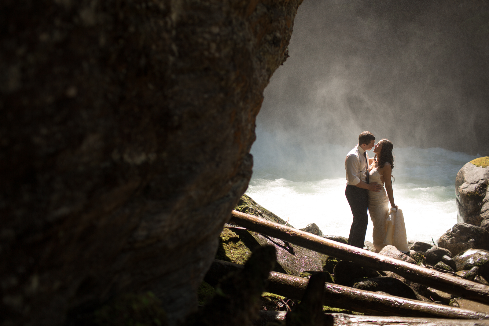 50Andrew_Pavlidis_Photography_Jess_and_Tristan_Revelstoke_Elopement_Calgary_Wedding_Photographer-8326