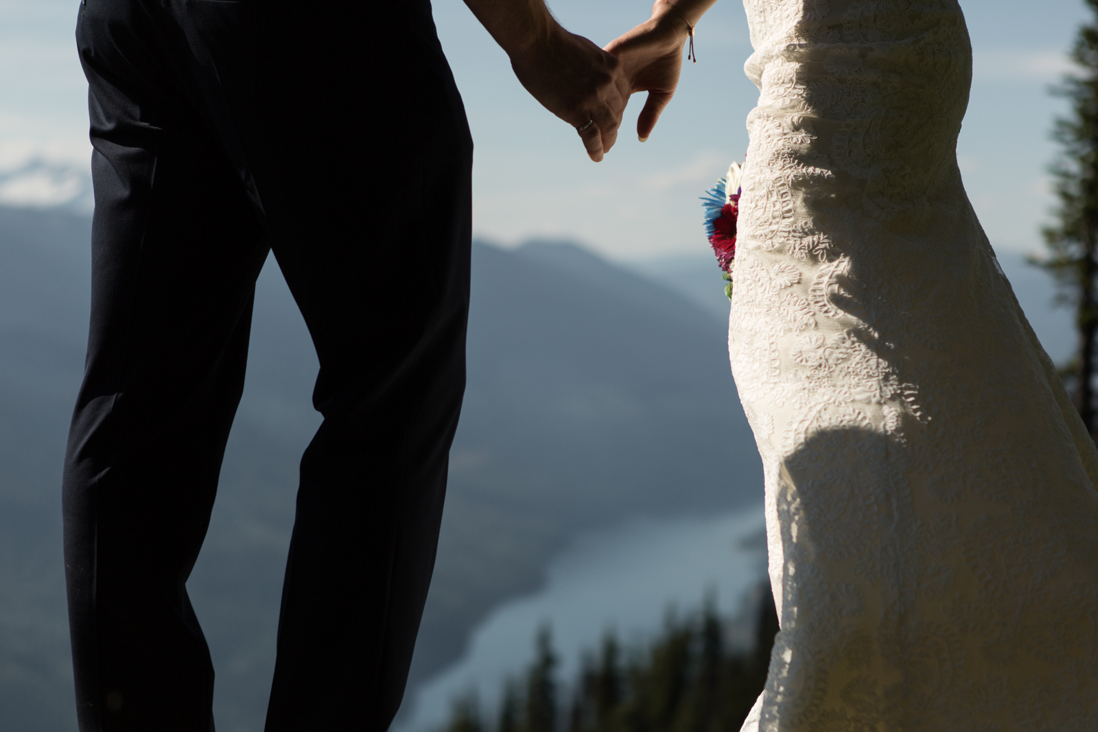 57Andrew_Pavlidis_Photography_Jess_and_Tristan_Revelstoke_Elopement_Calgary_Wedding_Photographer-8771