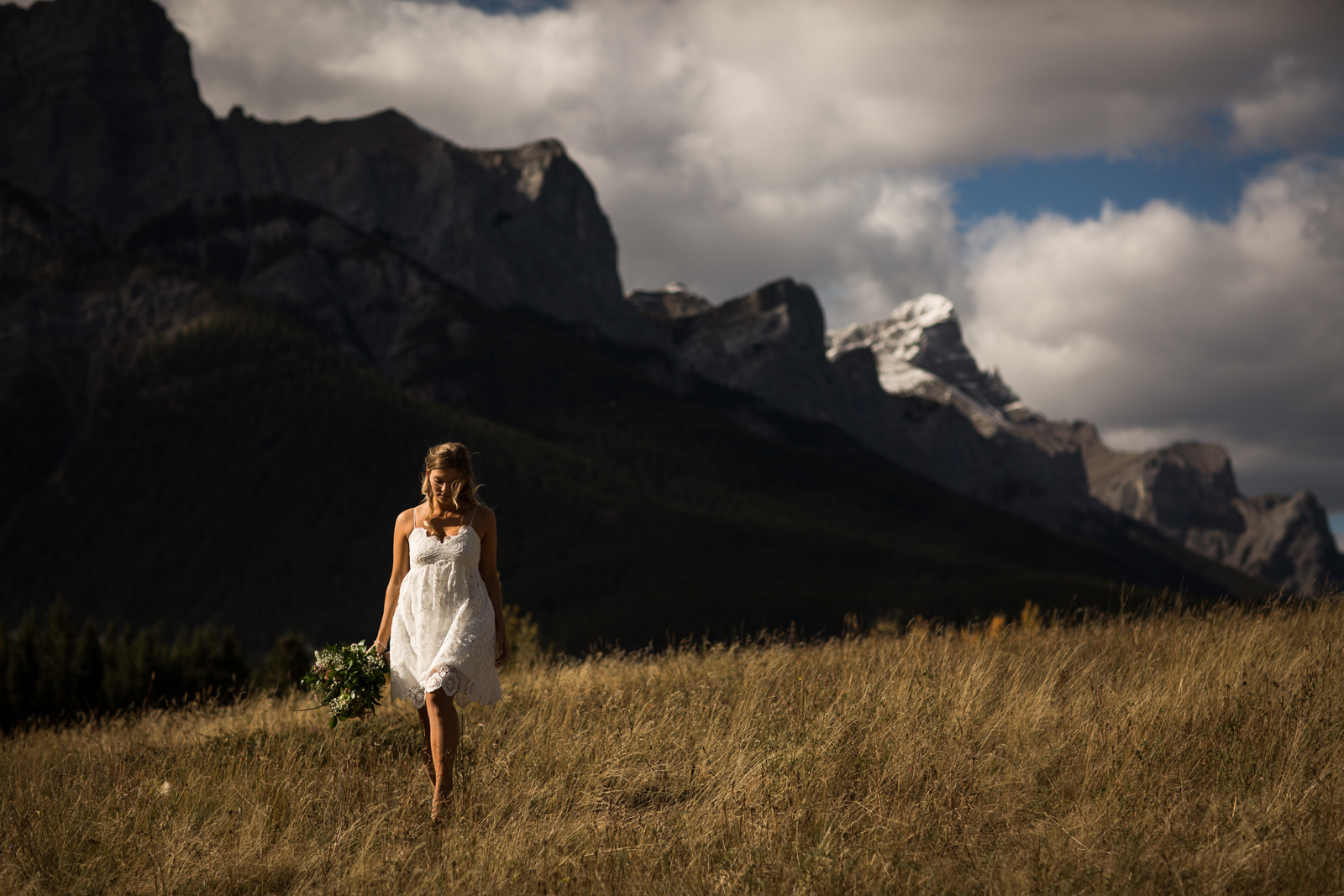 17-willow_and_wolf_photography_stef_and_pete_canmore_wedding_blog