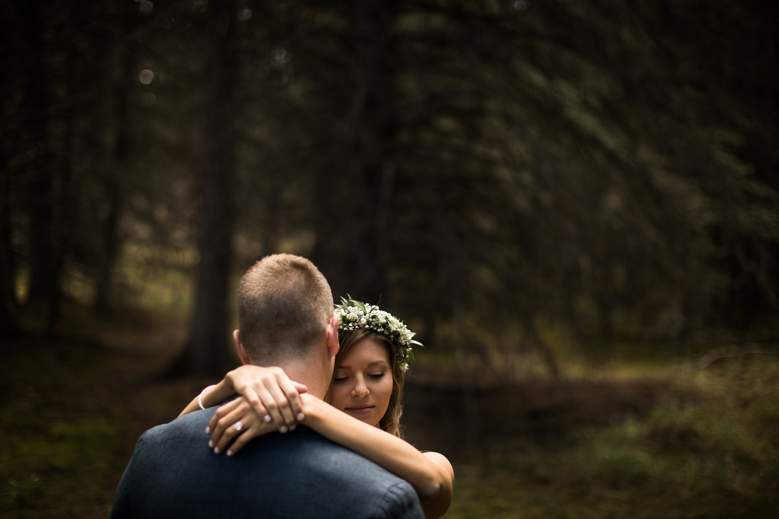 20-willow_and_wolf_photography_stef_and_pete_canmore_wedding_blog