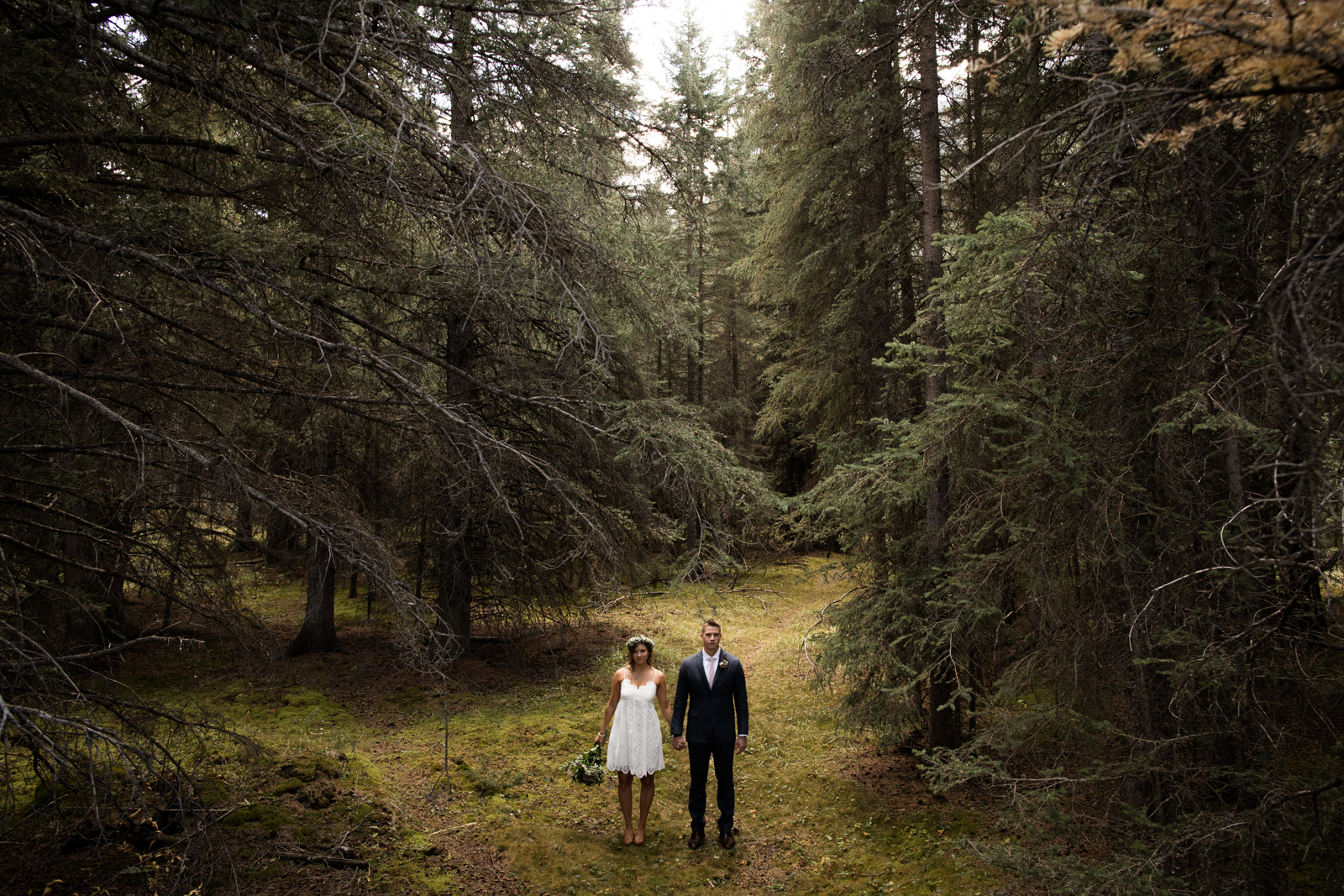 21-willow_and_wolf_photography_stef_and_pete_canmore_wedding_blog