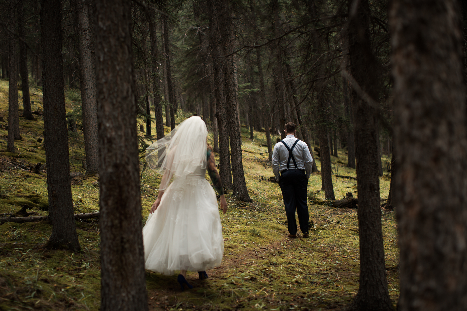 26-willow_and_wolf_photography_stephanie_and_kyle_banff_wedding_blogbec_7785