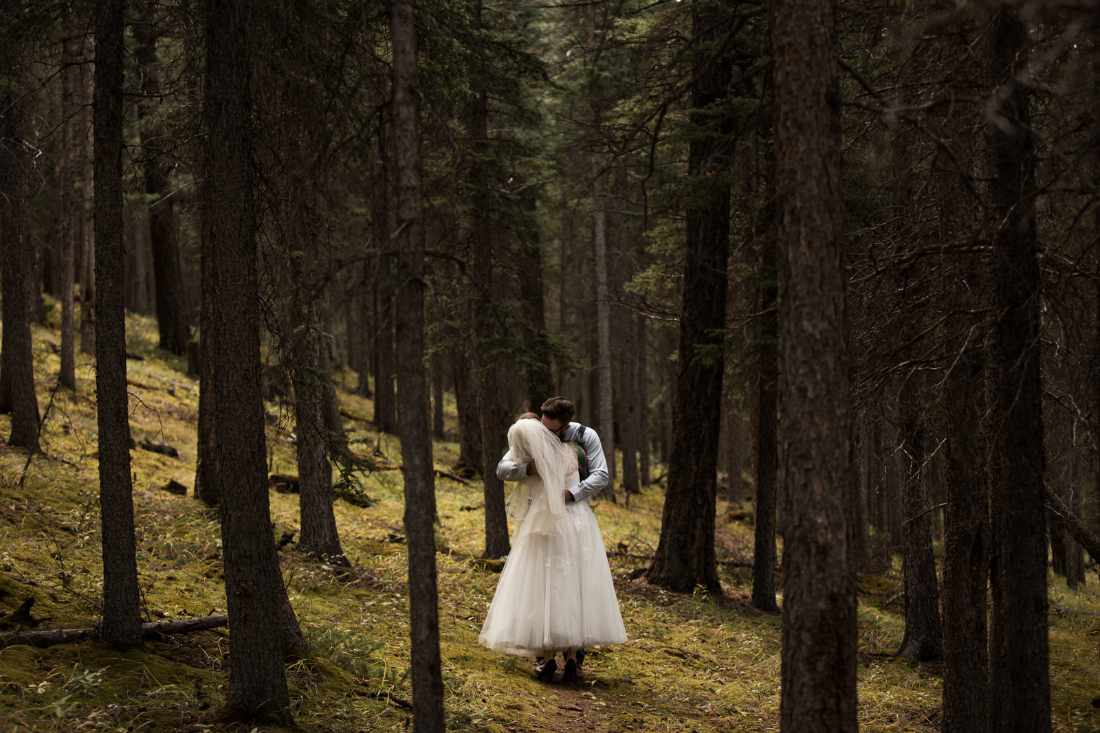 28-willow_and_wolf_photography_stephanie_and_kyle_banff_wedding_blogatp_7628