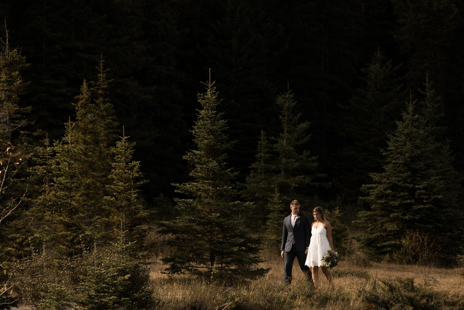 32-willow_and_wolf_photography_stef_and_pete_canmore_wedding_blog