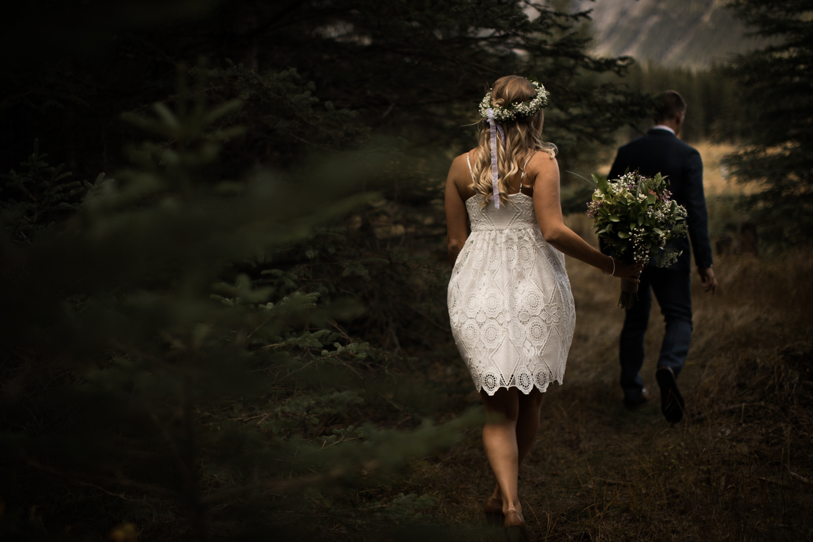 4-willow_and_wolf_photography_stef_and_pete_canmore_wedding_blog