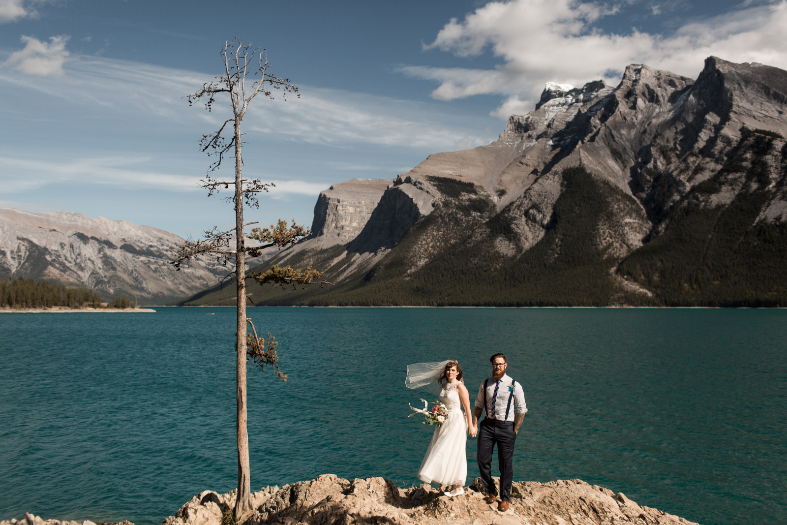 42-willow_and_wolf_photography_stephanie_and_kyle_banff_wedding_blogatp_8183