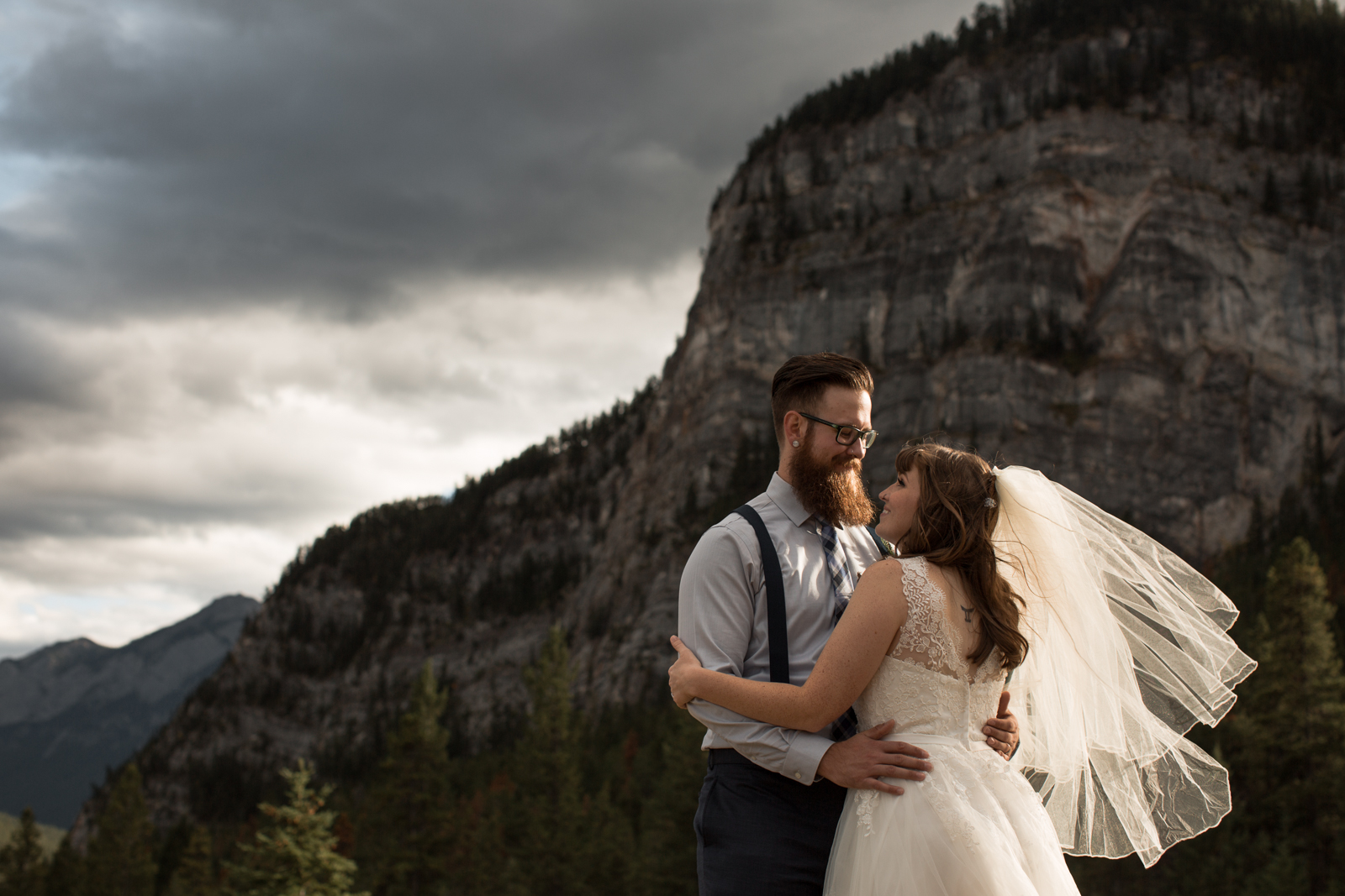 43-willow_and_wolf_photography_stephanie_and_kyle_banff_wedding_blogbec_9183