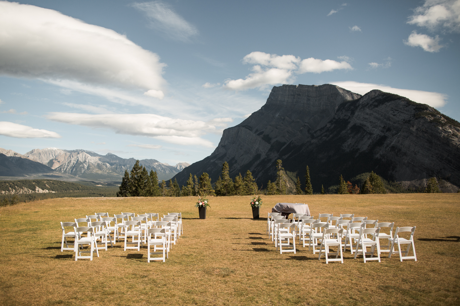 44-willow_and_wolf_photography_stephanie_and_kyle_banff_wedding_blogbec_8383