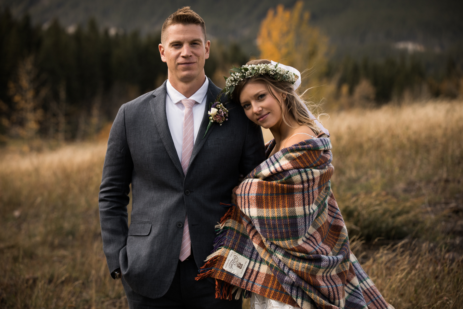 6-willow_and_wolf_photography_stef_and_pete_canmore_wedding_blog