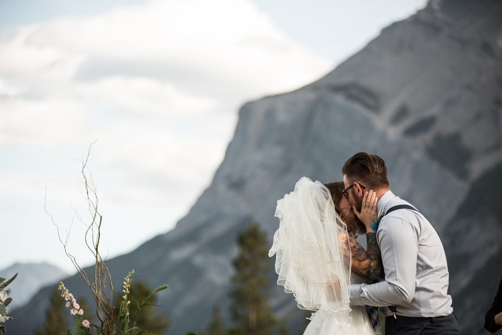 60-willow_and_wolf_photography_stephanie_and_kyle_banff_wedding_blogatp_8642
