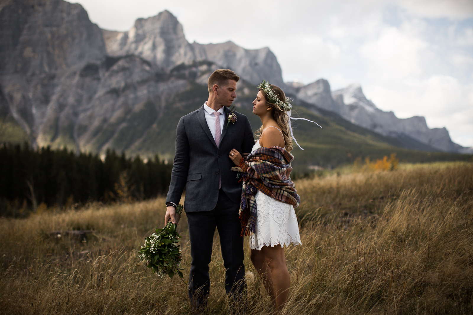 7-willow_and_wolf_photography_stef_and_pete_canmore_wedding_blog