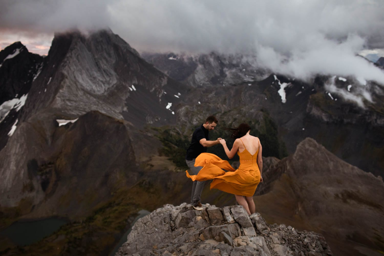 engagement photography on top of mountain
