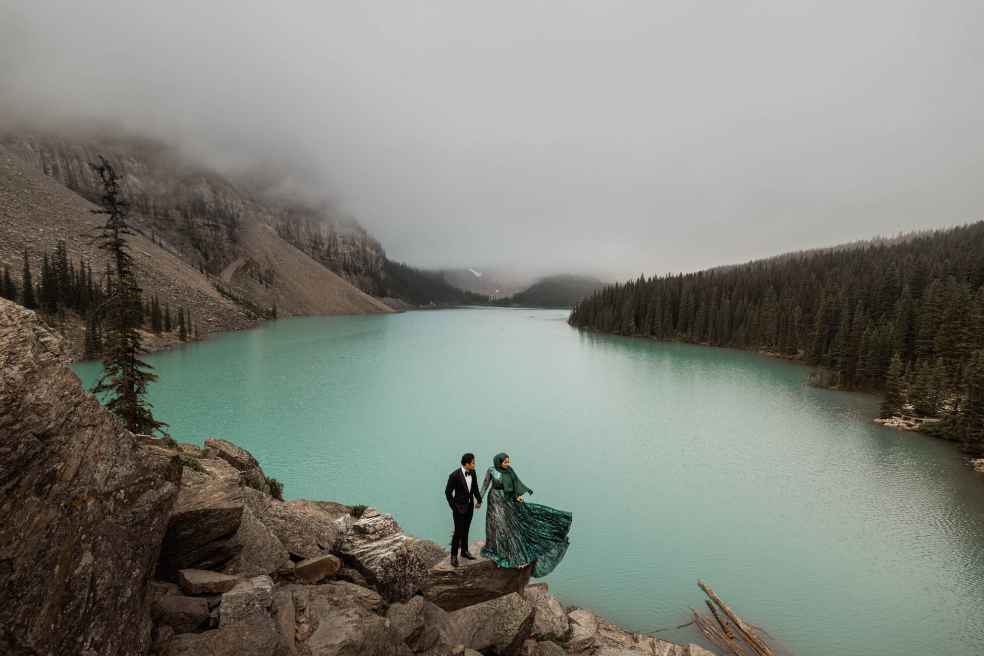 moody wedding photos in banff national park